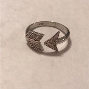 Jewelry - sterling silver arrow ring with clear cz